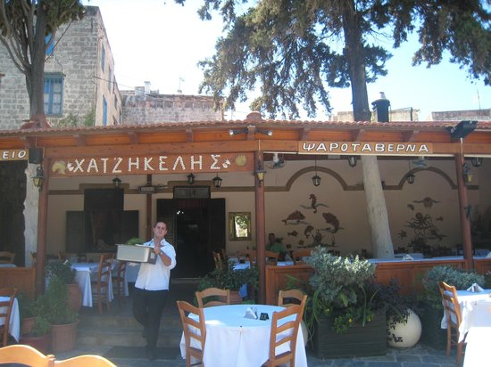Hatzikelis Sea Food Restaurant : Vasileios brings fresh fish