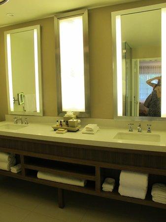 Sawgrass Marriott Golf Resort & Spa: Bathroom