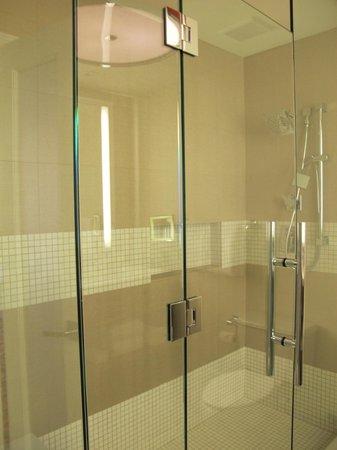 Sawgrass Marriott Golf Resort & Spa: Shower