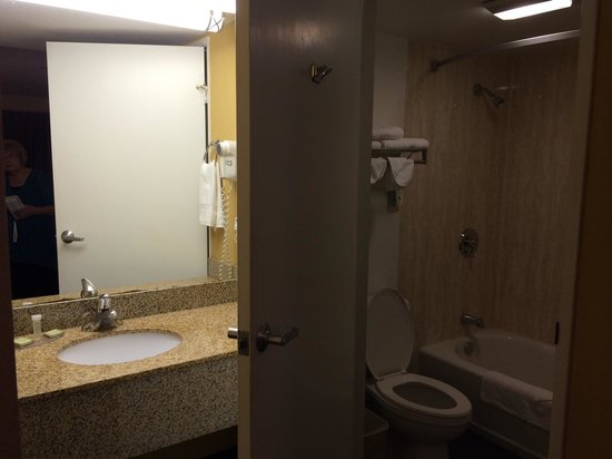 Super 8 El Cajon CA: Clean bathroom! It's a must and they pass!