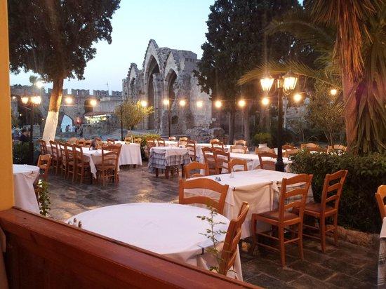 Hatzikelis Sea Food Restaurant: nice evening view