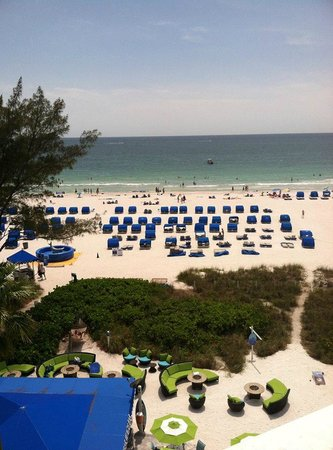 Guy Harvey Outpost, a TradeWinds Beach Resort : This is taken from our suite on the 6th floor, straight out at the beautiful Gulf of Mexico