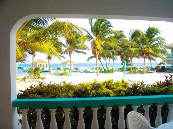 Belizean Shores Resort : A view from our balcony