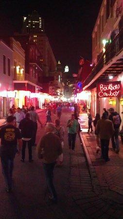Bourbon Street: Crazy nightlife!