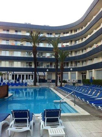 Hotel GHT Aquarium & SPA: piscina exterior