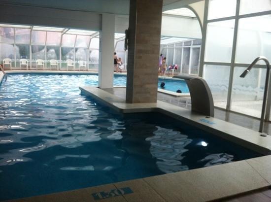 Hotel GHT Aquarium & SPA: piscina interior
