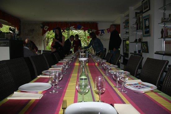 La Raimbaudiere : Table conviviale pour un anniversaire