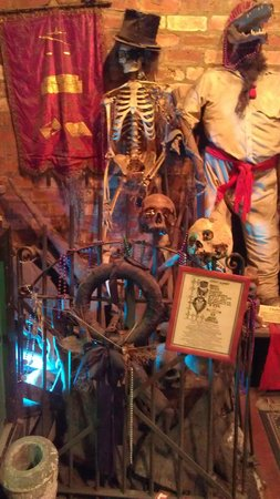 New Orleans Historic Voodoo Museum: Artifacts!