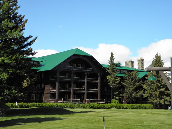 Glacier Park Lodge: Another View