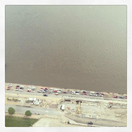 Gateway Arch: Parking on the levy by the Mississippi River -- yep, it's closer than it looks down there!