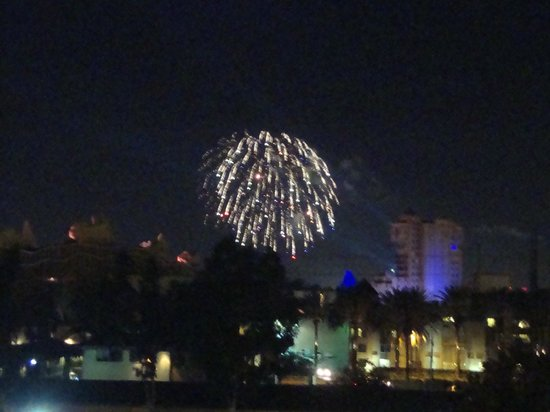Sheraton Park Hotel at the Anaheim Resort: View of Fireworks from Our Deck