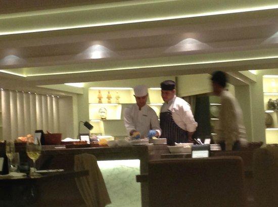 Hyatt Regency Delhi: Lounge 6.Etage
