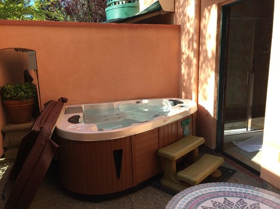 Applewood Inn: Chianti Suite Hot Tub