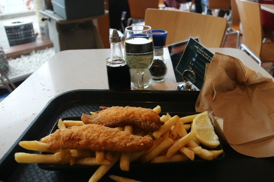 Mures Lower Deck: Fish & Chips & Local White Wine