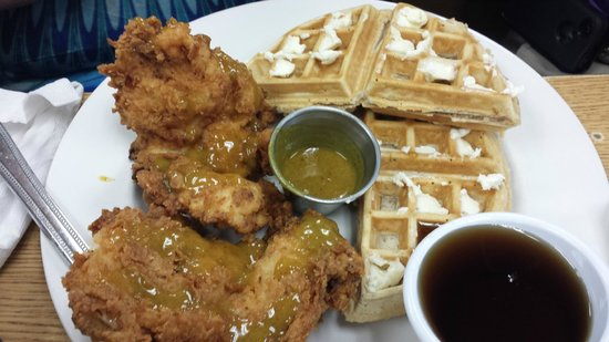 Early Bird Diner : Chicken & Waffles