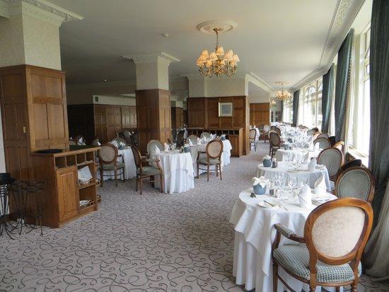 St. Brelades Bay Hotel: main dining room