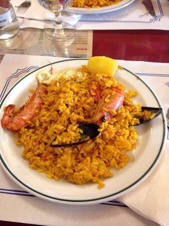 Los Toneles: Porzione di paella de marisco 6 euro