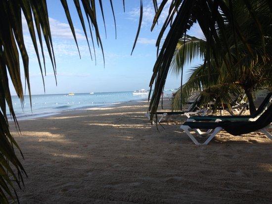 Charela Inn / Le Vendome: The beach