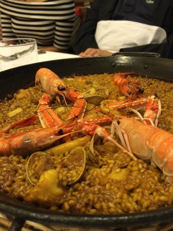 Restaurante Barceloneta: paella