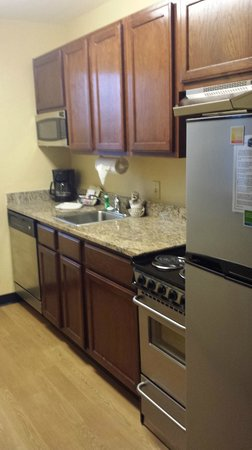 TownePlace Suites Savannah Midtown : kitchen