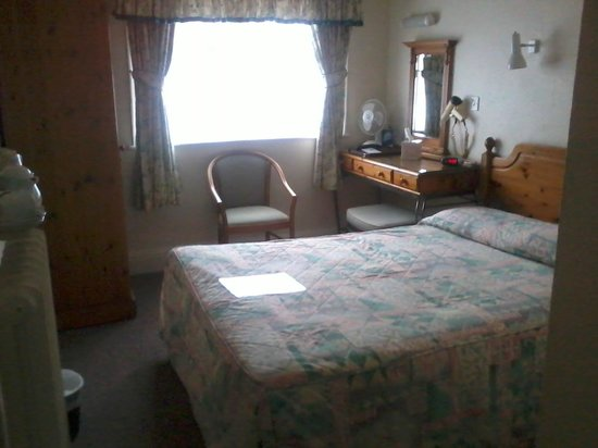 Talbot Hotel: Like your Grandmother's spare room!