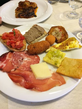 Ristorante Da Piero: House antipasto plate. A little bit of everything!
