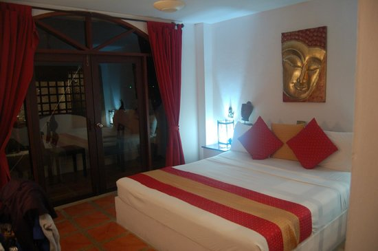 L' Hacienda : Bedroom with Balcony and Sea View