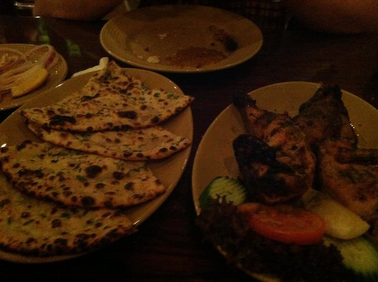 Bukhara: Chicken tikka with a naan bread