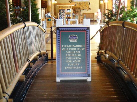 Disney's Wilderness Lodge: Spring in lobby did not work