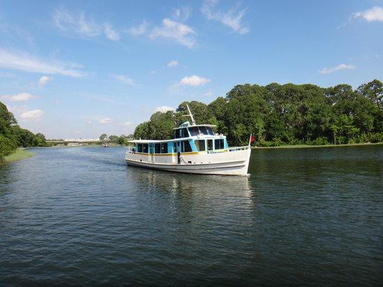 Disney's Wilderness Lodge: Boat to MK at WL Boat Dock