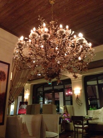 Bohemian Hotel Celebration, Autograph Collection : Chandelier in lobby area