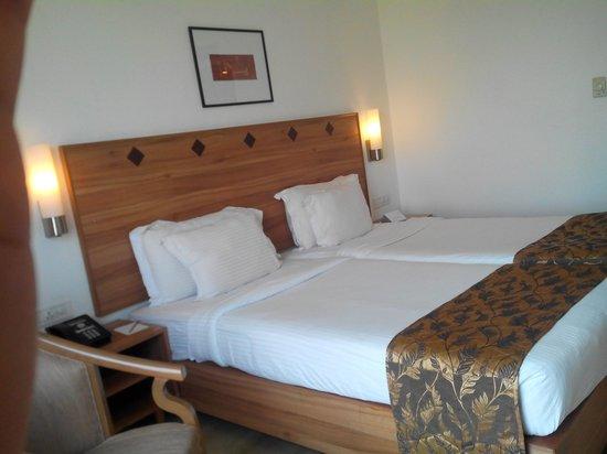 Leonia Holistic Destination : room