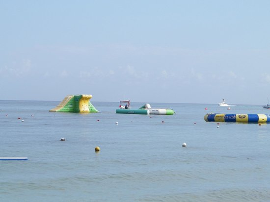 Paradise Beach: View from beach