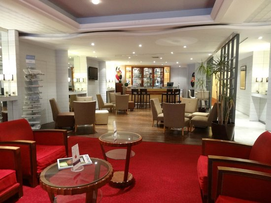 Mercure Nice Centre Notre Dame: Lobby and Bar
