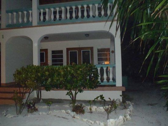 Belizean Shores Resort : outside room 1c