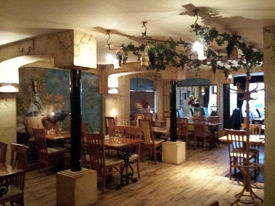 Antica Toscana: inside decor