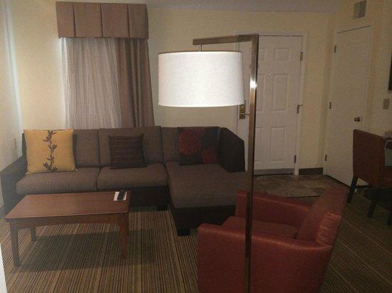 Residence Inn Winston-Salem University Area: Living room