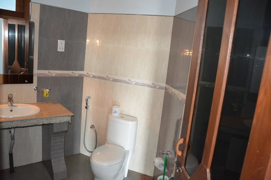 Rani Beach Resort: Ванная
