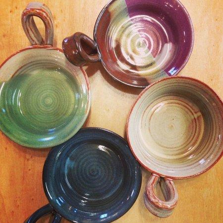แบลร์สวิลล์, จอร์เจีย: Mini Omelette Makers - Attractive & Functional Pottery Made in the USA