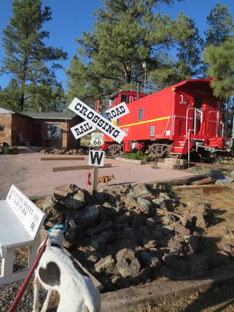 Canyon Motel & RV Park: The caboose room. How cool is that?
