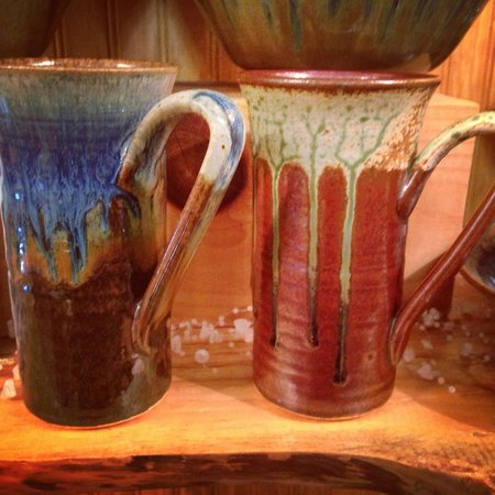 Blairsville, GA: LARGE Assortment of Pottery Made in the USA