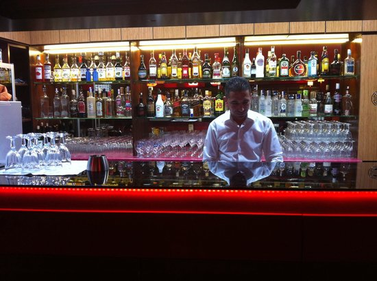 Red Dragon Chinese Restaurant : Bar