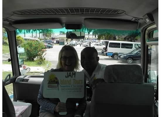 Jamisland Day Tours : picking us up!