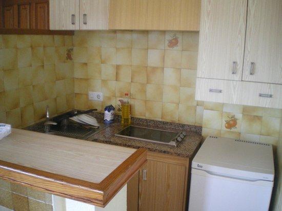 Apartamentos Poseidon II : cocina