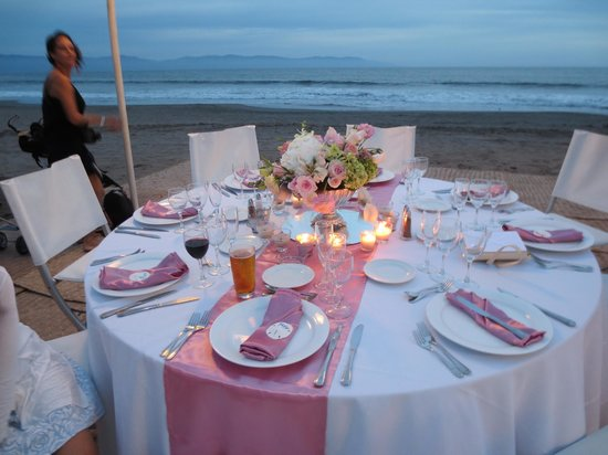 The Grand Bliss : One of the guest tables
