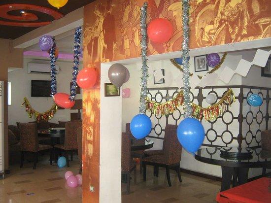 Cortado Restaurant & Cafe : Partitions