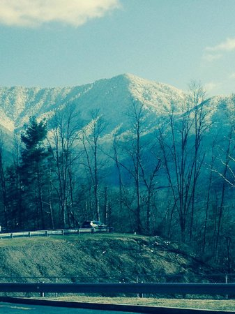 Park Vista - DoubleTree by Hilton Hotel - Gatlinburg: Another beautiful view with the snow