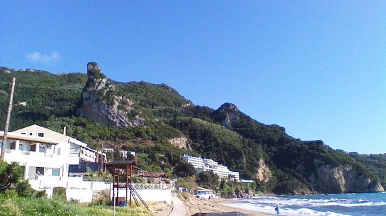 Mayor La Grotta Verde Grand Resort: view from beach