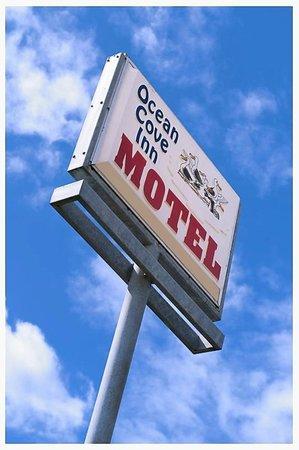 Ocean Cove Inn : Look For The Sign