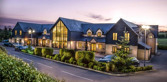 The Sharnbrook Hotel: Excellent picture by Robert Boud of Abraxas Photography Ltd of Bedfordshire